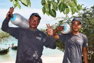 reef-dive-centre-crew-dry-land