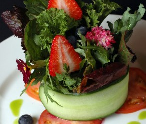 Simple Strawberry Summer Salad