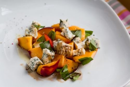 Arugula Salad with Nectarines and Gorgonzola