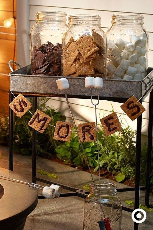Creative Ideas for a S'mores Making Station via @mermaidsandmojitos
