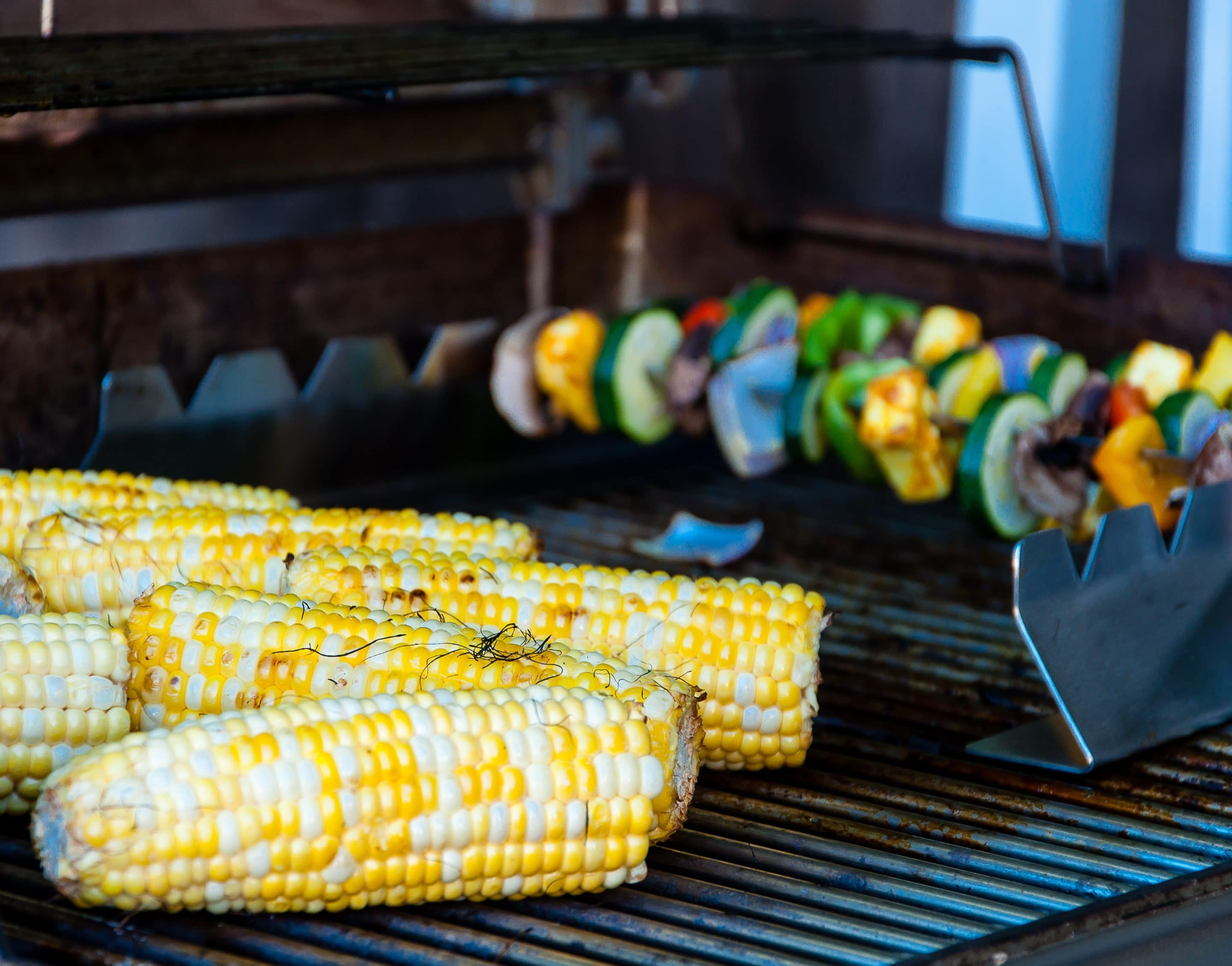 Grilled Ancho Chili Sweet White Corn on the Cob via @mermaidsandmojitos