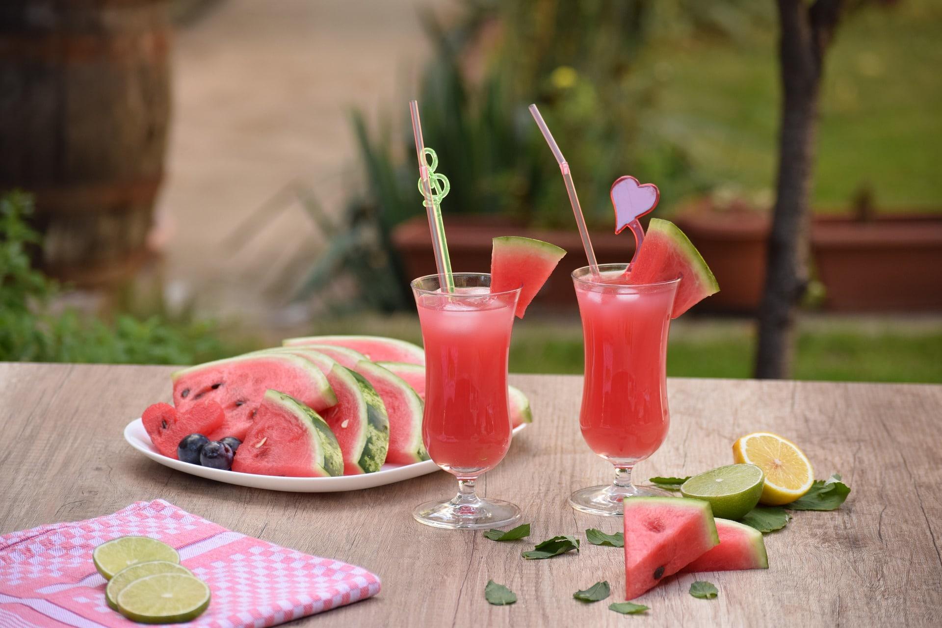 Mango Watermelon Lemonade via @mermaidsandmojitos