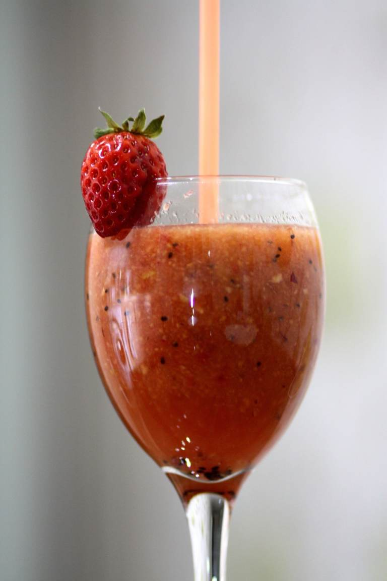 Easy homemade strawberry basil lemonade