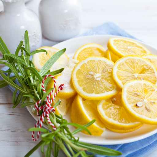 Quick Rosemary Vanilla Lemonade
