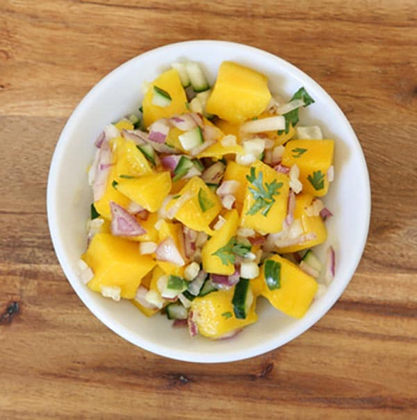 Spicy Mango Salsa Recipe via @mermaidsandmojitos