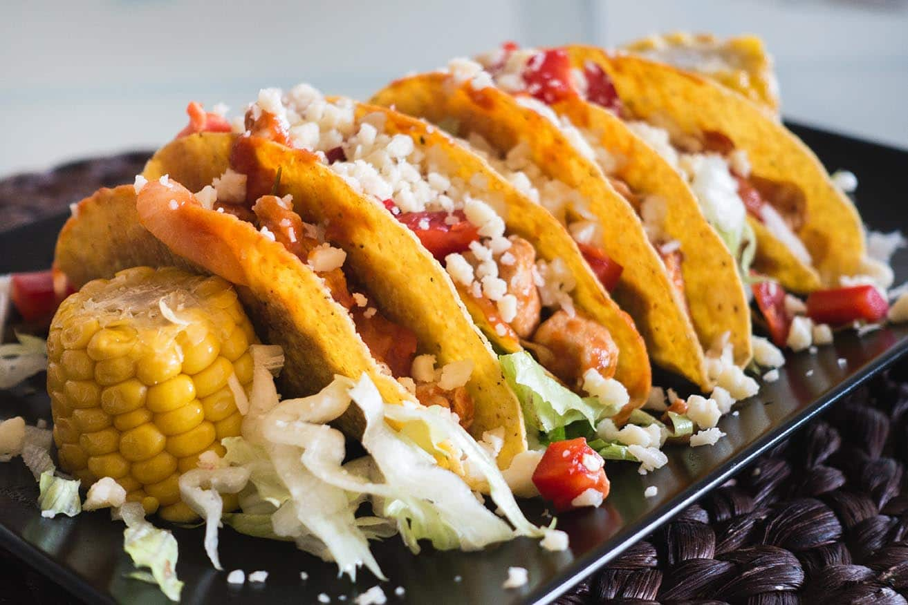 "Throw an ""Make Your Own Taco"" Party via @mermaidsandmojitos"