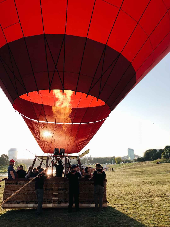 Book a hot air balloon ride | Valentine's Day