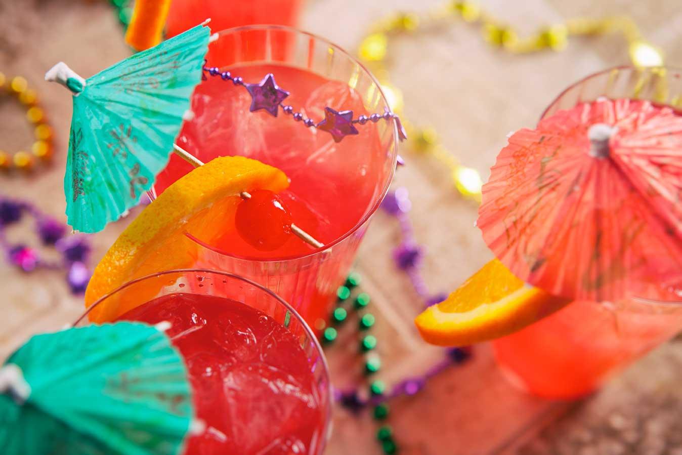 Pat O'Brien's Copycat Hurricane Cocktail via @mermaidsandmojitos