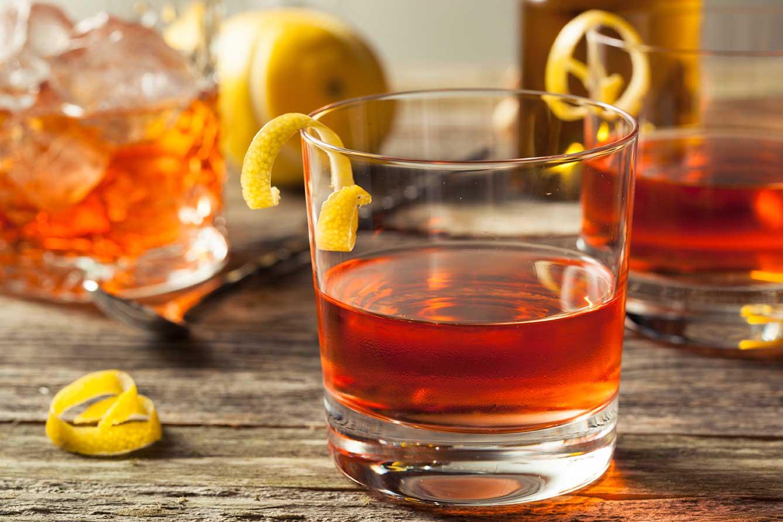 Sazerac | Classic New Orleans Cocktail via @mermaidsandmojitos