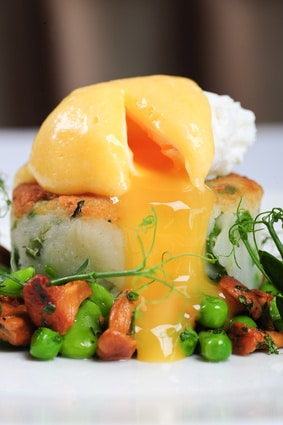 Irish Eggs Benedict Bubble and Squeak via @mermaidsandmojitos