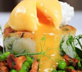 Irish Eggs Benedict Bubble and Squeak