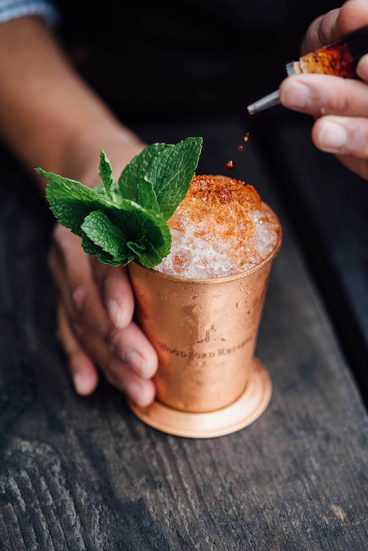 Honey Mint Julep | Kentucky Derby Recipe via @mermaidsandmojitos