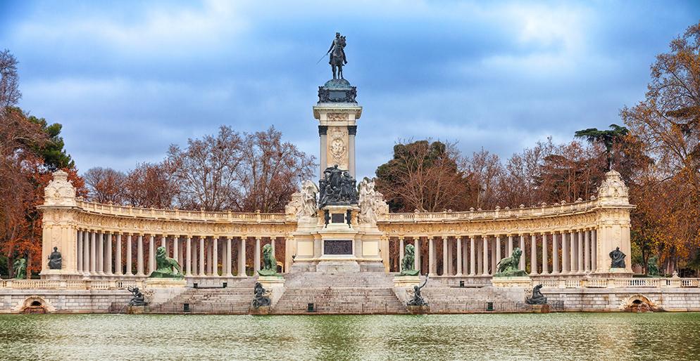 Retiro Park Monument