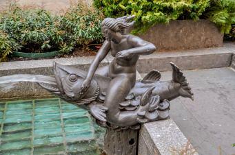 "Mermaid Sculpture ""Will"". Photo © by Sabrina Raymond"