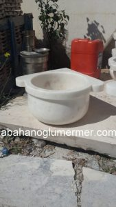 afyon beyaz düz mermer köşe kurnası ku-50 ölçüleri . 45x25 cm fiyatı : 350 tl