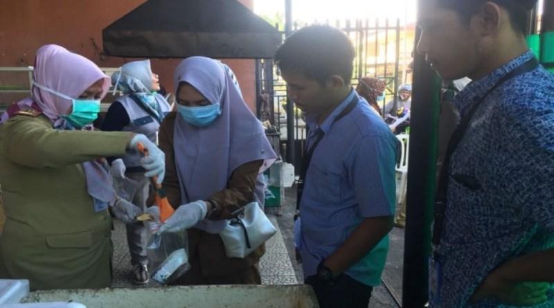 Dinas Kesehatan Palopo Operasi Pengambilan Sampel Makanan