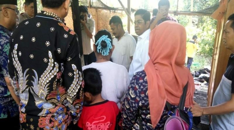 Menteri Sosial RI Idrus Marham Bantu Korban Kebakaran di Pinrang