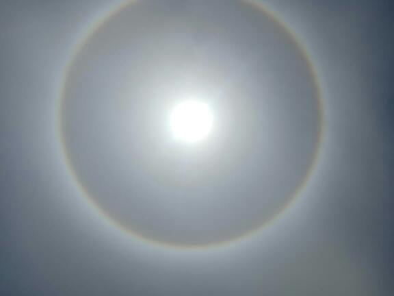 Heboh, Penampakan Matahari Bercincin Terlihat di Parepare