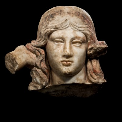 head of aphrodite anadyomene front