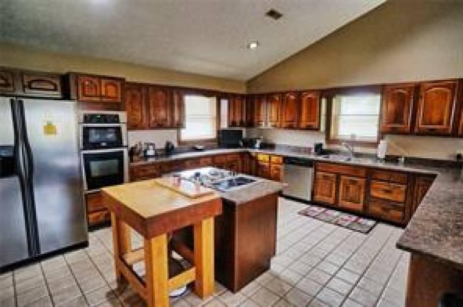5635 Studebaker, Tipp City, OH - Ohio 45371, 4 Bedrooms Bedrooms, 11 Rooms Rooms,3 BathroomsBathrooms,Farm (5 Acres Or More),Studebaker,423376