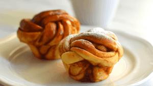 Easy Cinnamon Rolls in muffin pan