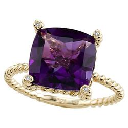 Amethyst ring set in yellow gold