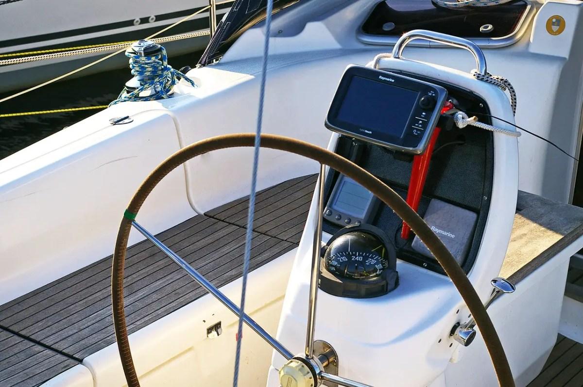 Bien choisir son GPS marine et son lecteur de cartes