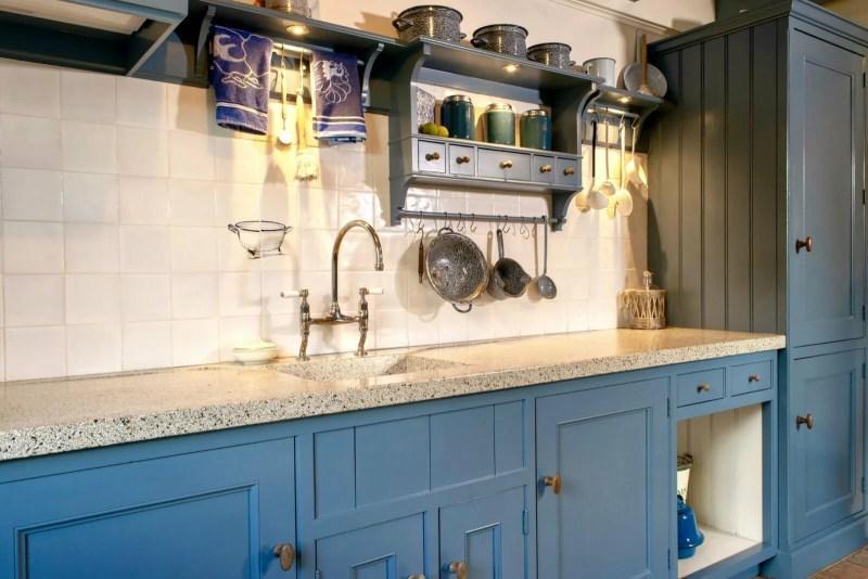 Houten keuken Hooge Zwaluwe gekaderd blauw