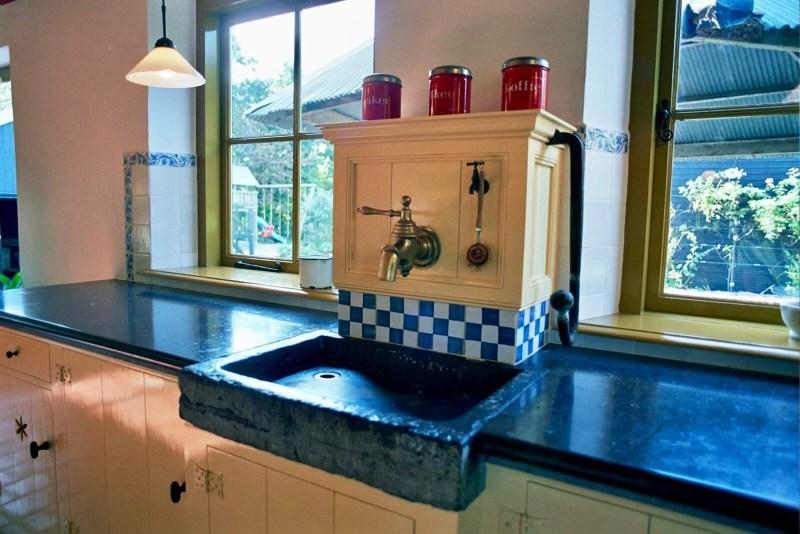 Jaren 30 keuken Stolwijk pomphuis belgisch hardsteen