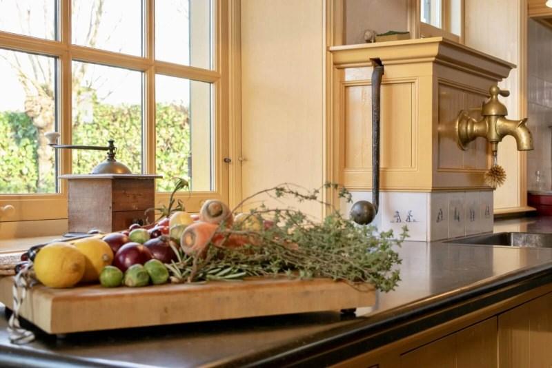 Oudhollandse keuken Hooge Zwaluwe groente raam pomphuis