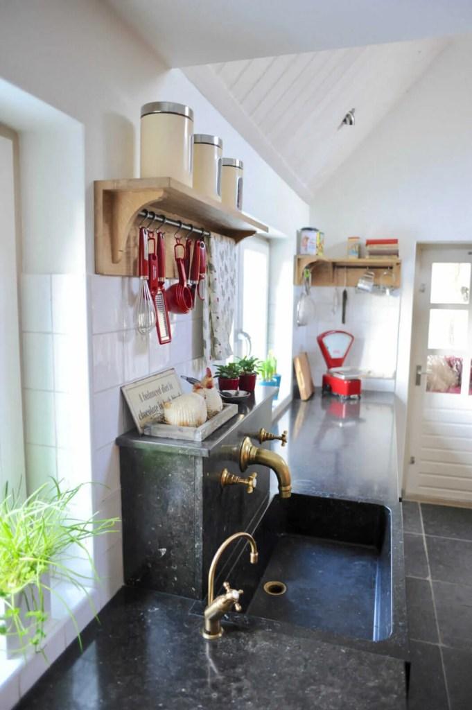 Eiken keuken Blitterswijck aanrechtblad kraan