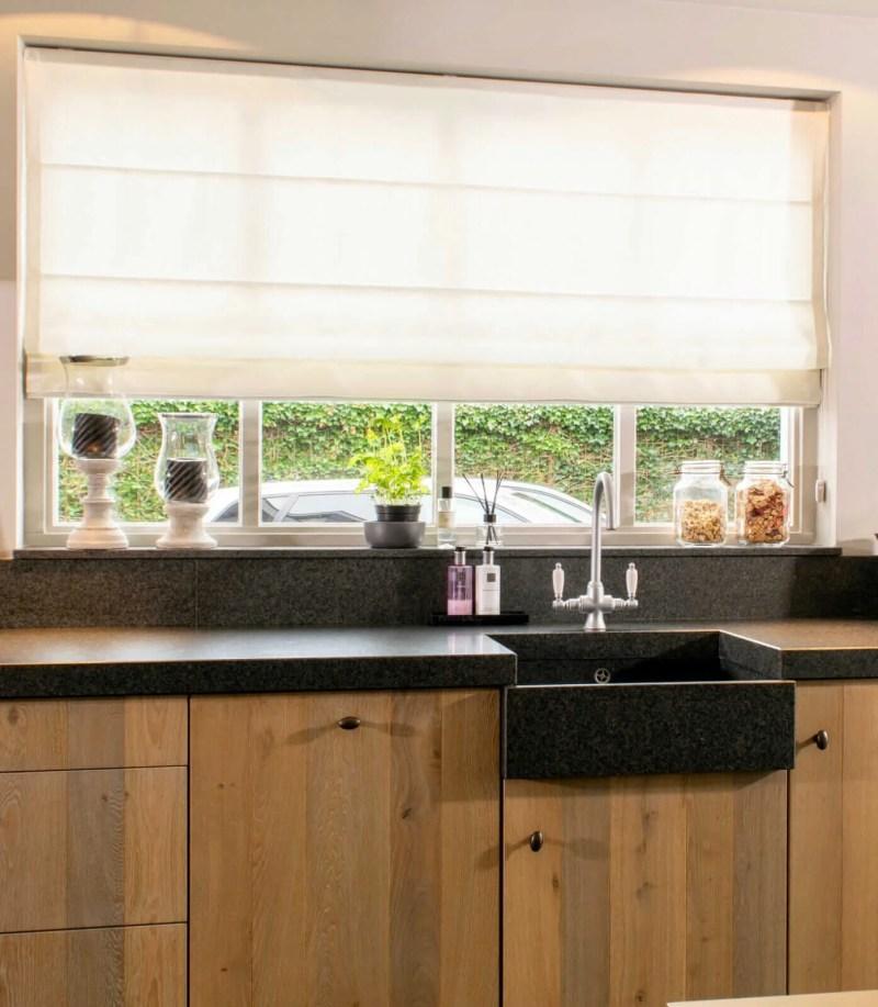 Eiken keuken Hoeven raam aanrechtblad
