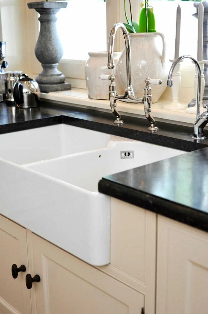 Witte keuken Breukelen spoelbak kraan