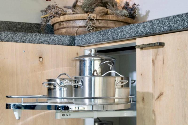 Landelijke keuken Papendrecht pannen kast