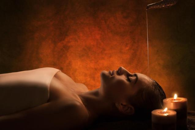 Luxuriant, Calming Shirodhara Treatment.
