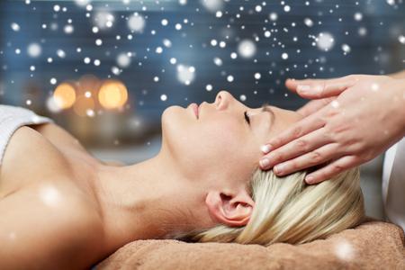 123rf blonde woman head massage