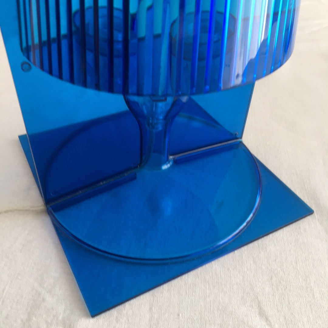 Lampe-Kartell-Take-bleue-design
