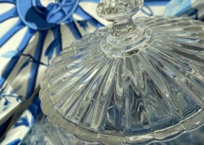 Cloche en verre gravé