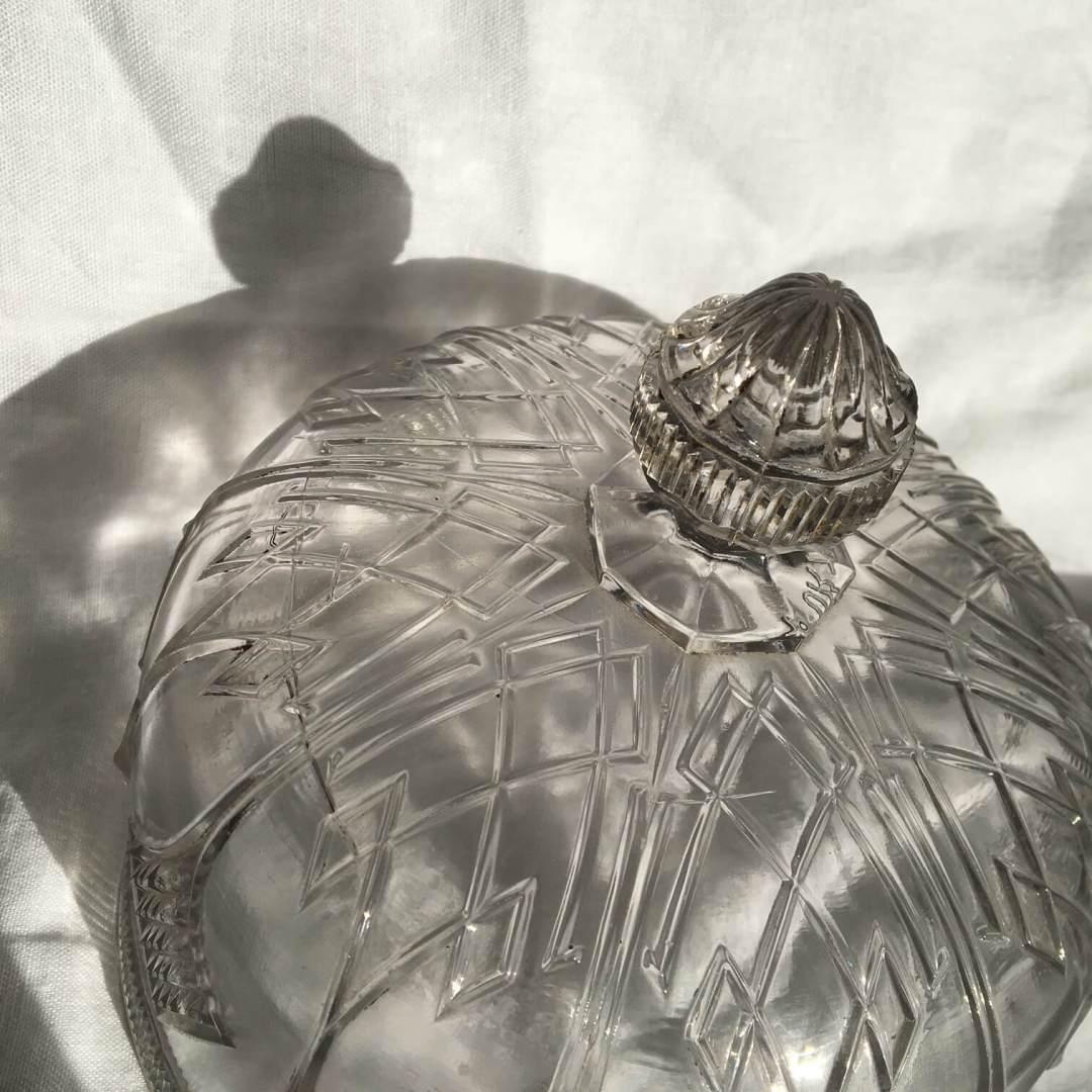 cloche verre moulé sculptée merveilles de marie