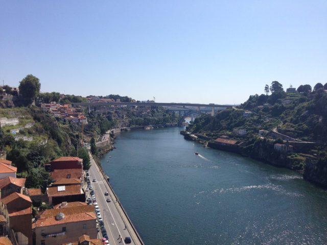 34. Vista hacia el nacimiento del río y el valle del Duero.