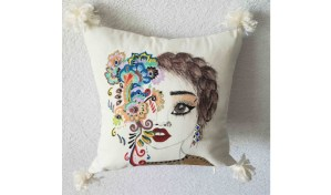 PILLOW CUSHION MODERN PAINTINGS ARTIST HANDMADE ETSY LIVING ROOM DESIGN STYLE FACE FLOWERS GIRL COLORFUL CUTE ELEGANGE