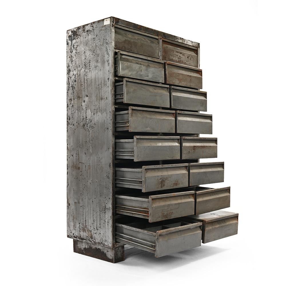 armoire d atelier metallique a 16 tiroirs mes decouvertes julien cohen