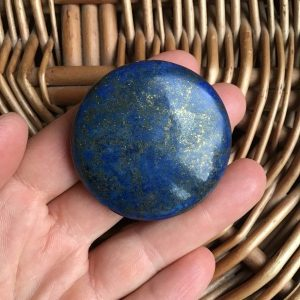 Galet lapis lazuli origine afghanistan