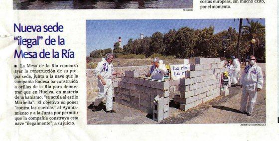 24-05-2006 - Mesa de la Ría construye una caseta Ilegal en la Punta del Sebo, al igual que la caseta que Endesa estaba levantando en es momento.