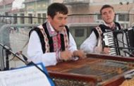 Ansambluri folclorice, grupuri de copii, artiști din țară, dar și din Republica Moldova, pe scena Zilelor Sfântu Gheorghe