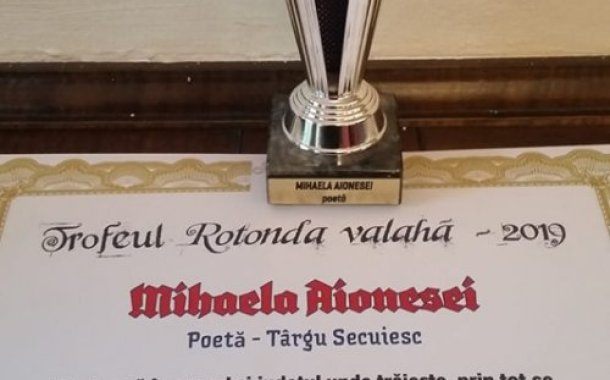 Poeta Mihaela Aionesei, premiată din nou
