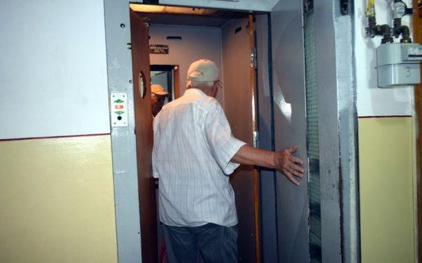 Primăria Sfântu Gheorghe va lansa un program de reabilitare a lifturilor din blocuri
