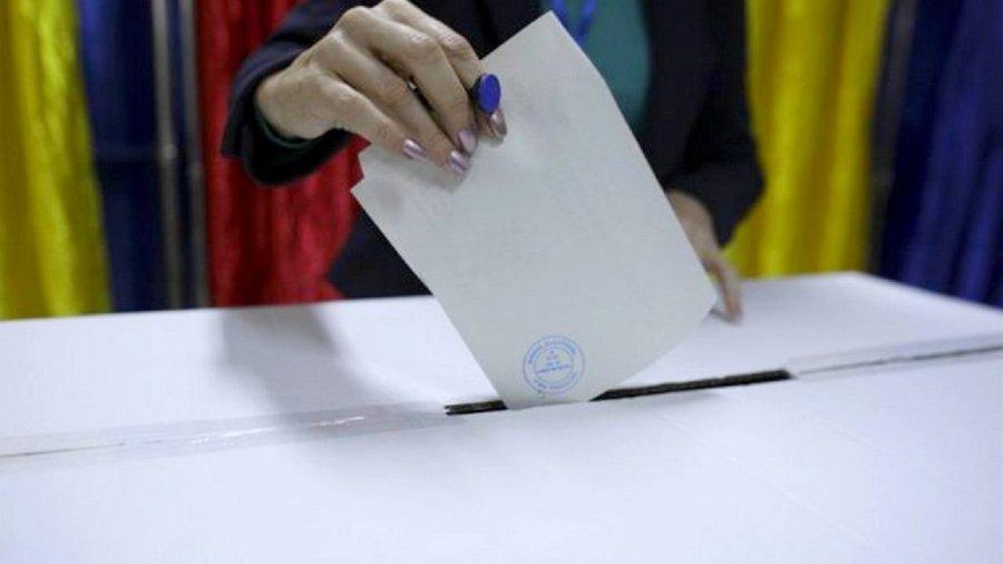 Floroian (PNL): Românii din judeţ riscă să rămână fără reprezentare în Parlament dacă nu se prezintă la vot
