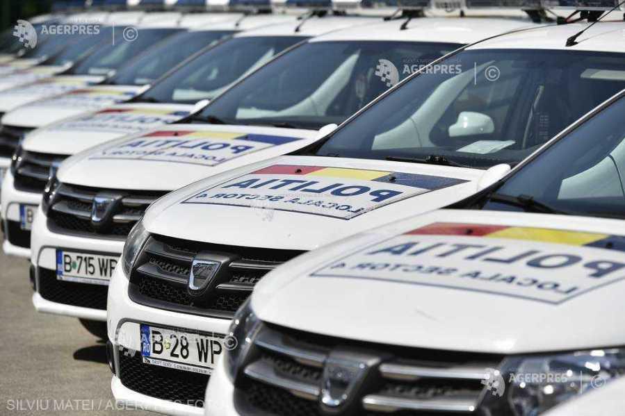 Cameră: Poliţia locală poate dispune ridicarea vehiculului care staţionează pe domeniul public, în afara spaţiilor destinate
