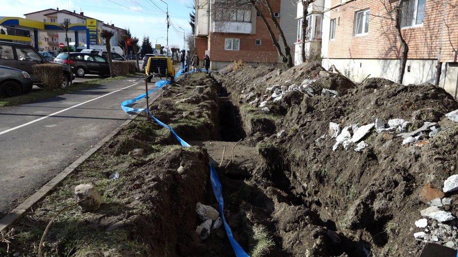La rețeaua de apă din Târgu Secuiesc se fac îmbunătățiri, dar rezultatele nu vor apărea peste noapte